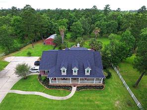 Horses and 4H animals welcome on this 3.2 acre  fenced property.  NO FLOODING!  High and dry!