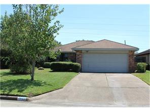 2822 S Peach Hollow, Pearland, TX 77584