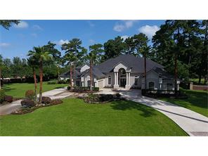 Step into absolute perfection! Attention to detail is apparent immediately upon entering this breathtaking dream home!