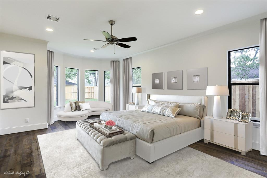 (Master Suite)First Floor Master Suite Offers A Hand Planed, White Oak Floor  And Bay Windows Overlooking The Backyard.
