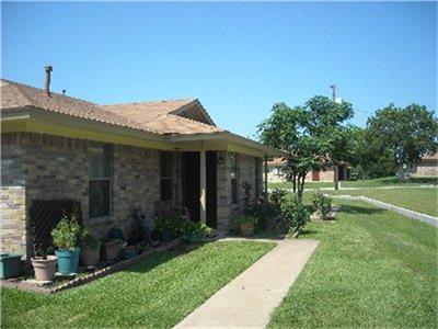 1701 Waco Street 15, Gonzales, TX 78629