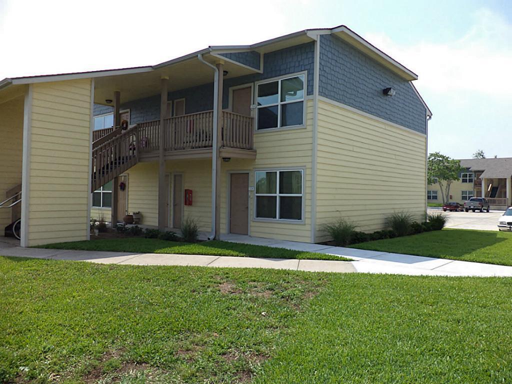 655 Castle Park Drive, Corpus Christi, TX 78418