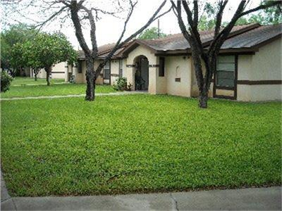 611 S Leo Avenue, La Joya, TX 78560