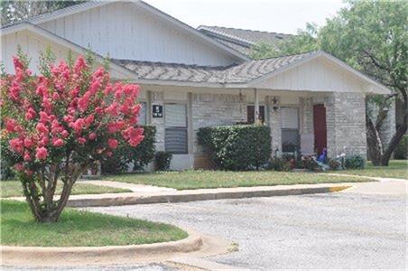 1100 Haynie, Llano, TX 78643