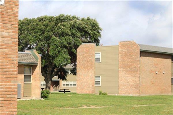 711 Glenoak Drive, Corpus Christi, TX 78418