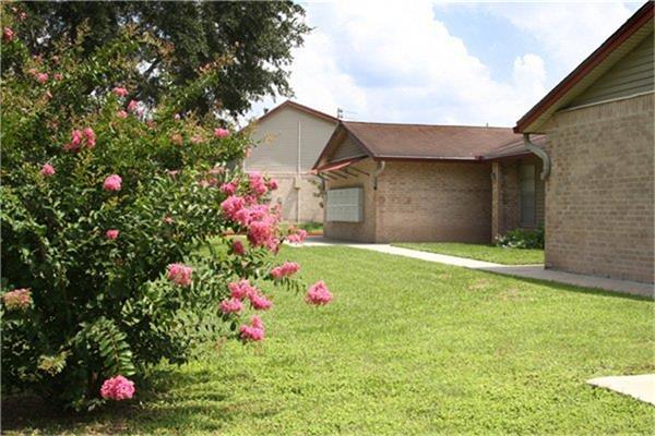 1301 S Tyler Street, Beeville, TX 78102