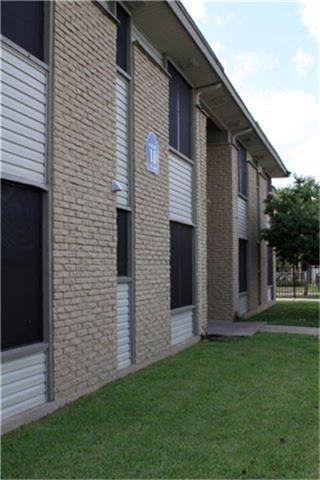 615 South F Street, San Antonio, TX 78220