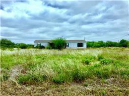 520 County Road 6753, Devine TX 78016