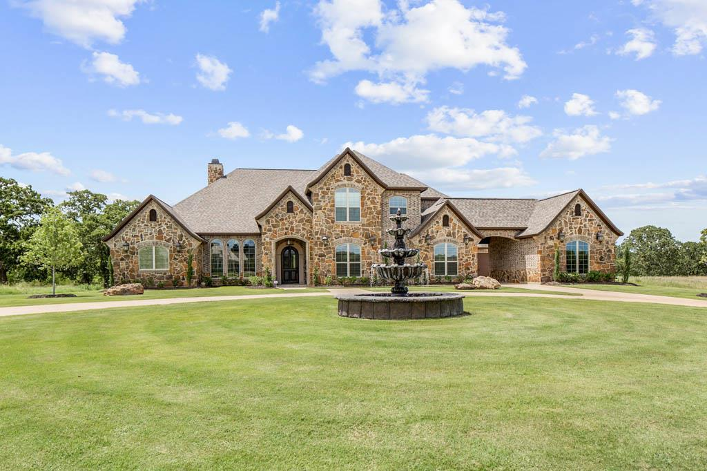 8798 Queens Pvt Court, College Station, TX 77845