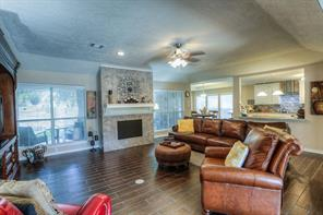 This open concept living space is great for friends and family!