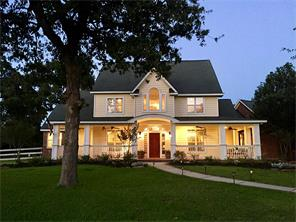 15586 Crown Oaks Dr, Montgomery, TX 77316