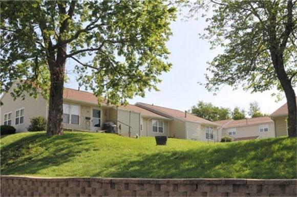 520 E Airport Drive, Carthage, MO 64836