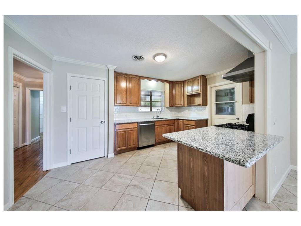 10034 Westview Drive, Houston, TX 77055 - HAR.com