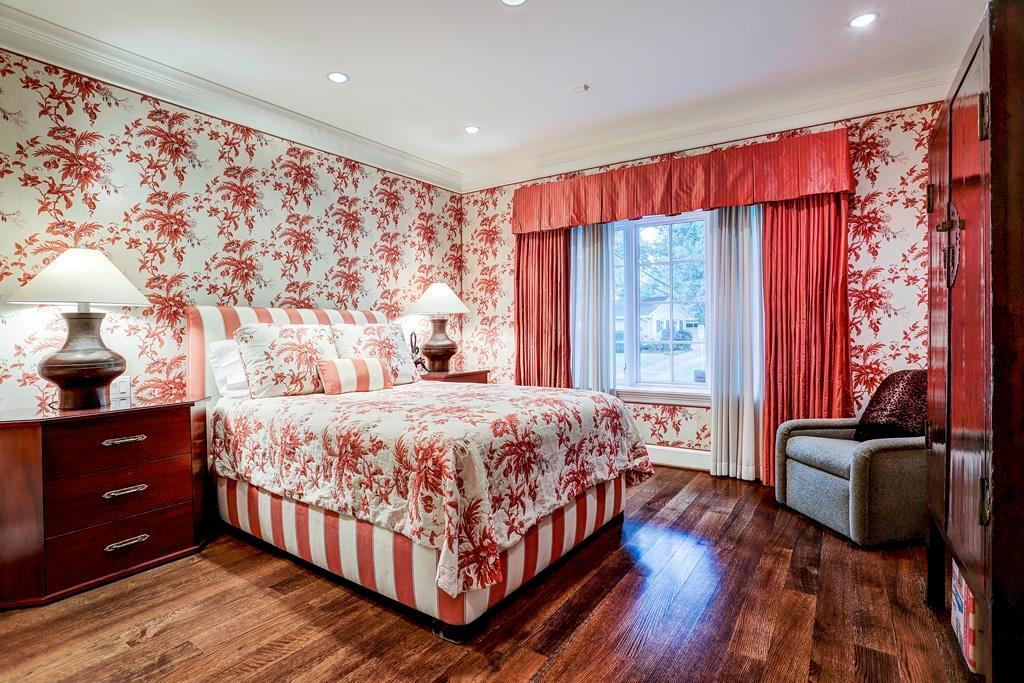First Floor Bedroom - 14   x 14  : Triple 4  9