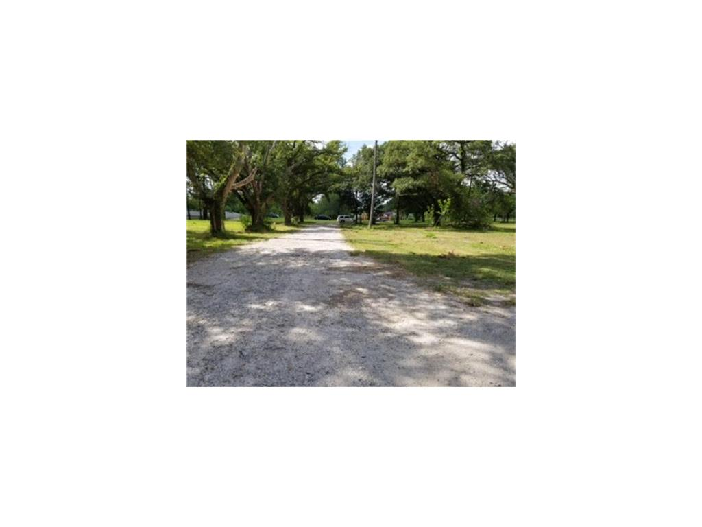 JUST REDUCED !! BEAUTIFUL 5-1/2 ACRES WITH HOUSE AND 1 APARTMENT WITH 2 BEDROOMS...THIS CAN ALSO BE COMMERCIAL.