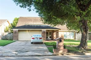 10427 huntington estates, houston, TX 77099