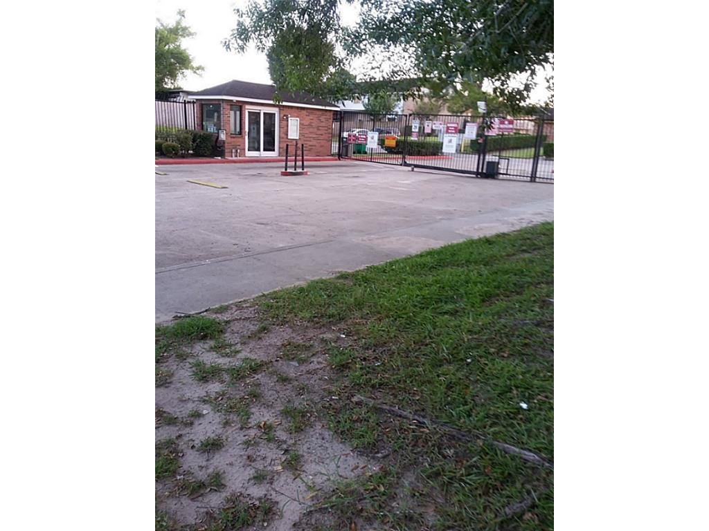 7201 Chasewood Drive Houston TX 77489
