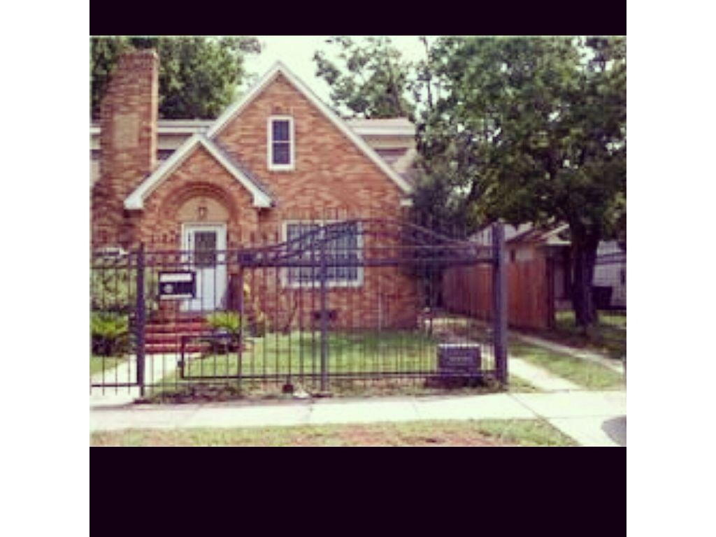 3015 Cleburne Street, Houston, TX 77004