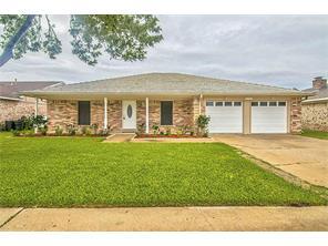 5113 Meadow Crest Street, La Porte, TX 77571