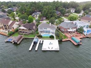 This dock area was sealed by a synthetic coating to fully protect and easy maintenance.