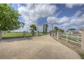 1260 COUNTRY, MARION TX 78124