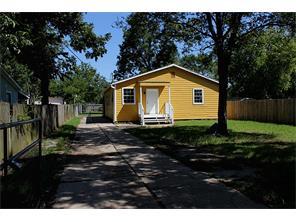 144 campbell avenue, pasadena, TX 77502