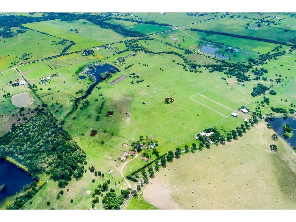 9752 Harris Ranch Lane, Cat Spring, TX 78933