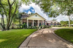 927 Layfair Place, Friendswood, TX 77546