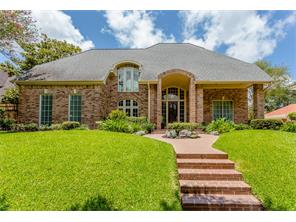 82 heathrow lane, sugar land, TX 77479