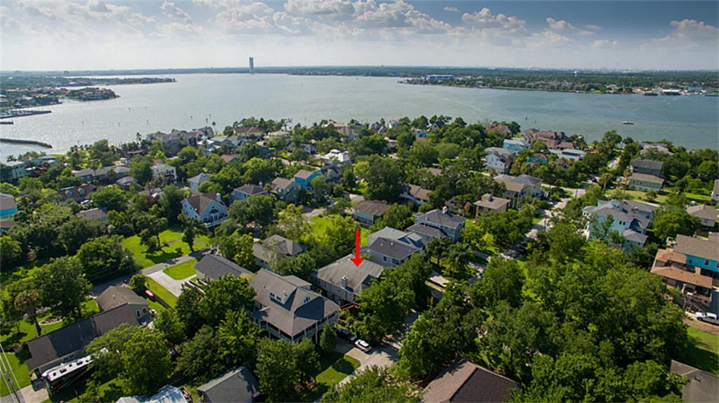 Pictures of  Clear Lake Shores, TX 77565 Houston Home for Sale
