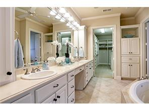Spacious Master Bath with Double Sinks / Glass Shower / Whirlpool Tub