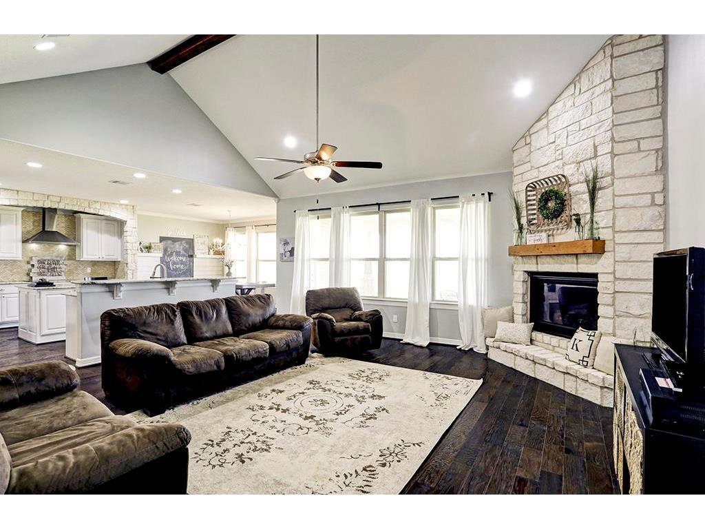 5688 Longhorn Trail, Sealy, TX, 77474   Greenwood King Properties