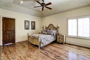 Secondary bedroom with custom paint by Segretto-16x12