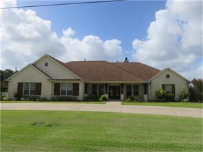 1201 chapel lane, el campo, TX 77437