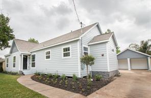 916 fairbanks street, houston, TX 77009
