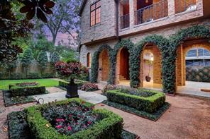 Another view of these fabulous grounds and view of the loggia.