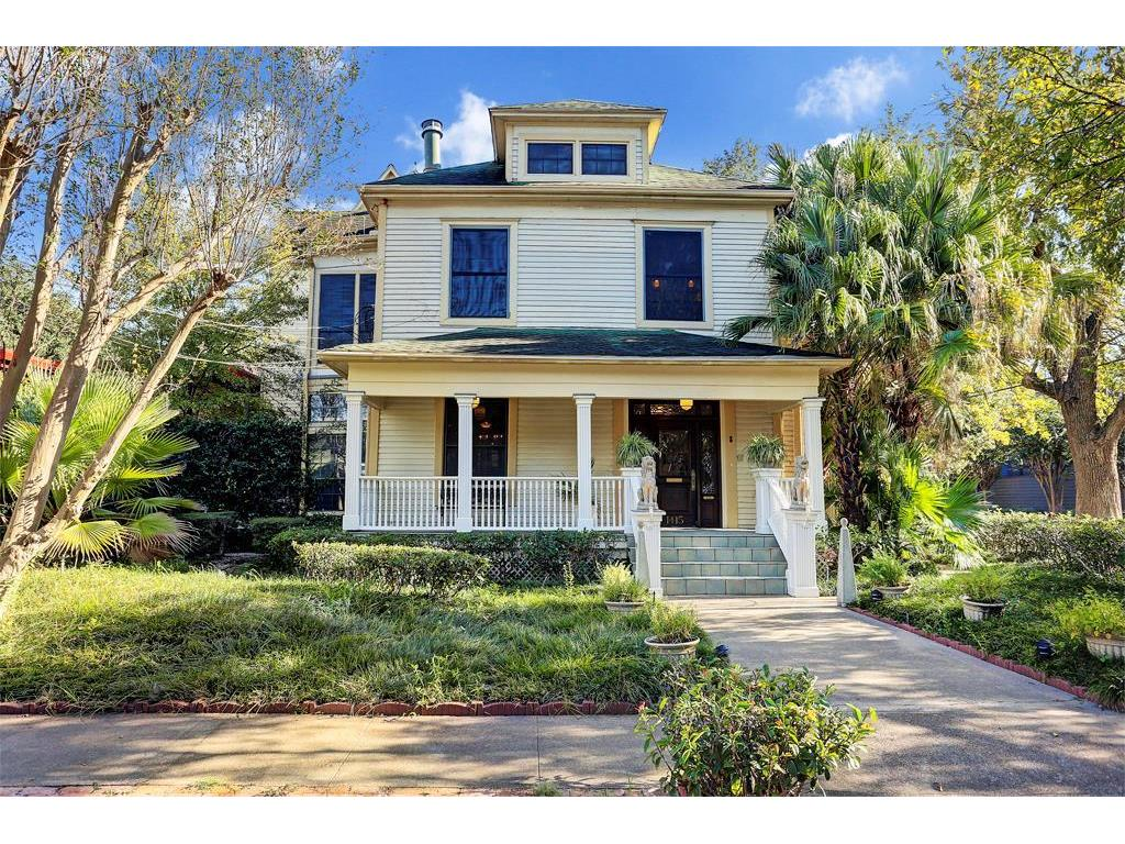 1415 INDIANA ST - A CHARMING 1908 VICTORIAN HOME IN HYDE PARK - many original features - ground cover planting in front for ease of maintenance