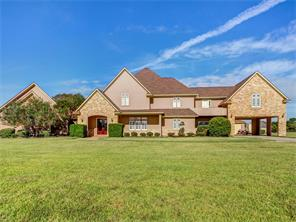 9043 north point drive, beach city, TX 77523