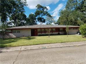 59 plantation court, lake jackson, TX 77566
