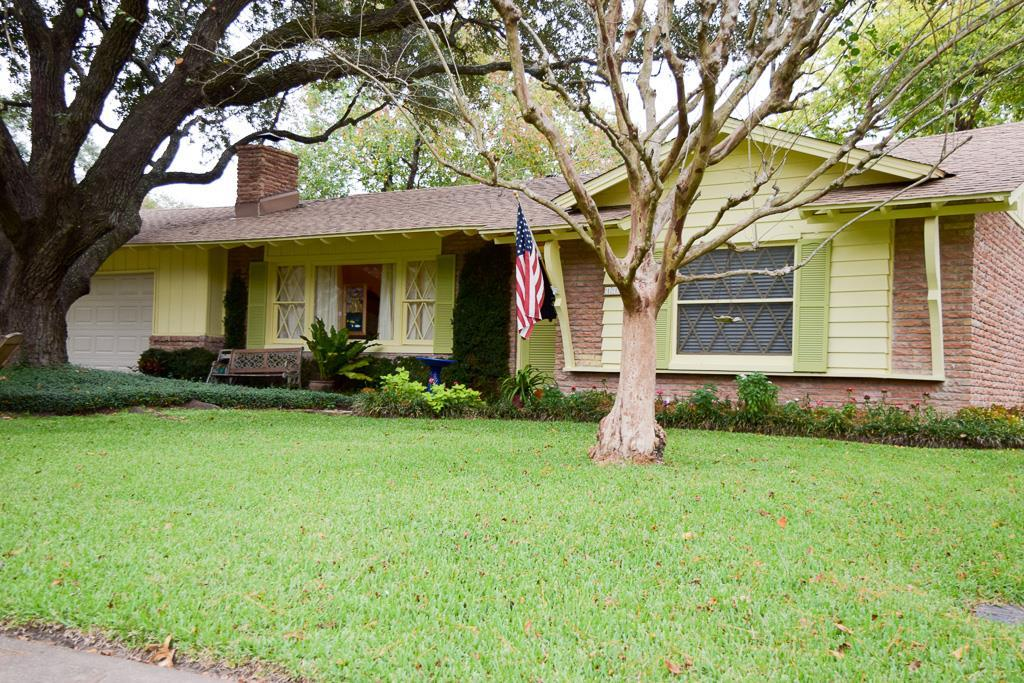 601 jefferson street houston tx 77002 - Charming Beautifully Maintained Ranch Home In Highly Desired Westbury