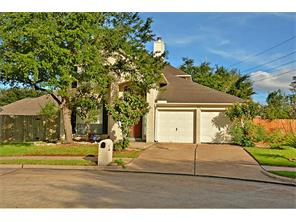 12211 Meadow Bend Court, Meadows Place, TX 77477
