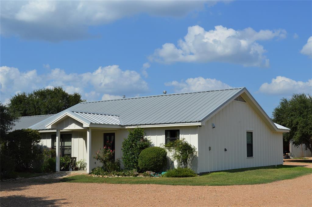 5948 Gebhard Road, Fayetteville, TX 78940