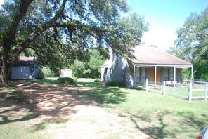 1041 Live Oak, Weimar, TX 78962