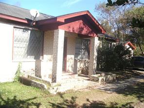 2119 godfrey street, baytown, TX 77521