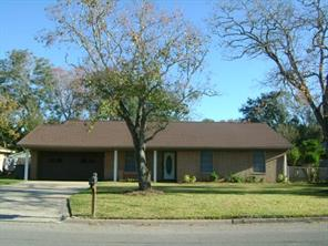 3805 holly glen drive, bay city, TX 77414