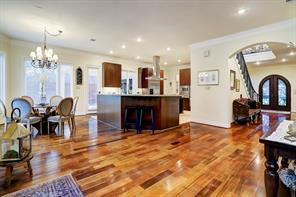 With this generously-sized living space, this home is perfect for LARGE SCALE ENTERTAINING!
