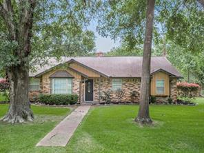 13503 e cypress forest drive, houston, TX 77070