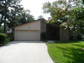 Darling single story home for lease in Cape Conroe.