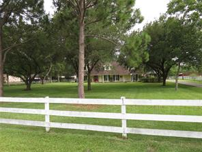 9641 n humble camp road, texas city, TX 77539