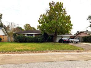 1907 mockingbird street, baytown, TX 77520